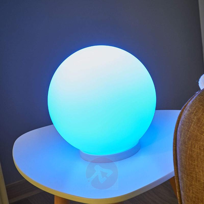 Spherical table lamp Rondo-C LED RGBW - Table Lamps