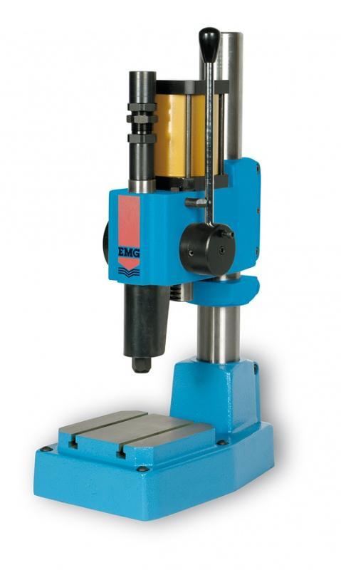 Macchine : Presse ad impatto per la marcatura - PM30 P