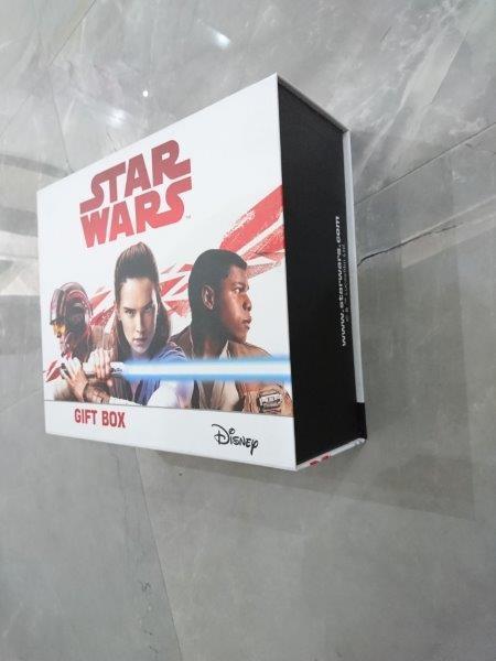 στερεά κουτιά από χαρτόνι