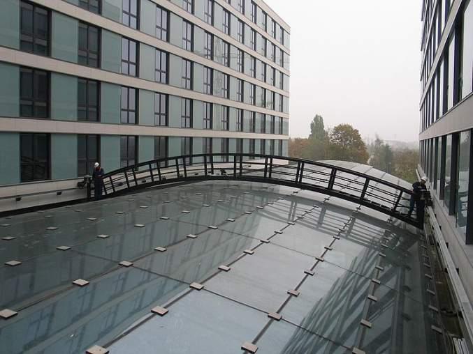 GEDA Wartungsbühnen - GEDA Wartungsbühnen - Fassadenbefahranlagen