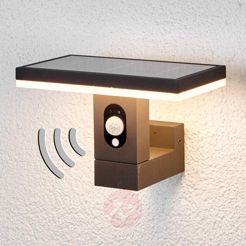 Linear solar wall light Josa with motion detector - outdoor-led-lights