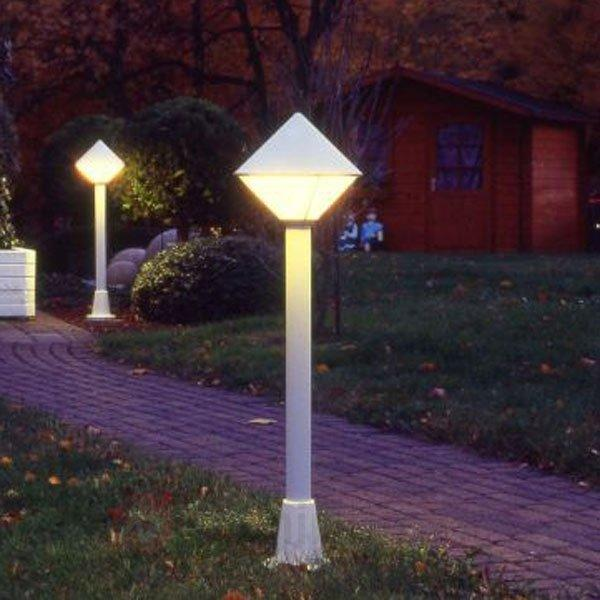 Borne lumineuse moderne 177 blanche - Toutes les bornes lumineuses
