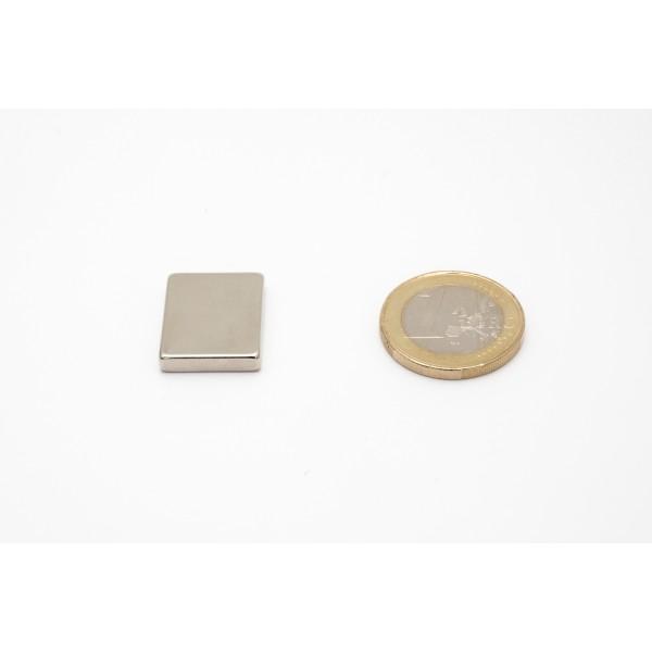 Block magnet, Neodymium, 20x3,5x16 mm, N45, Ni-Cu-Ni,... - null