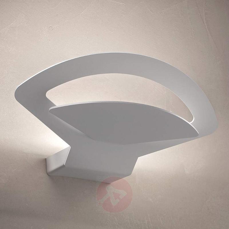 Beautifully-shaped wall light Loto LED - Wall Lights