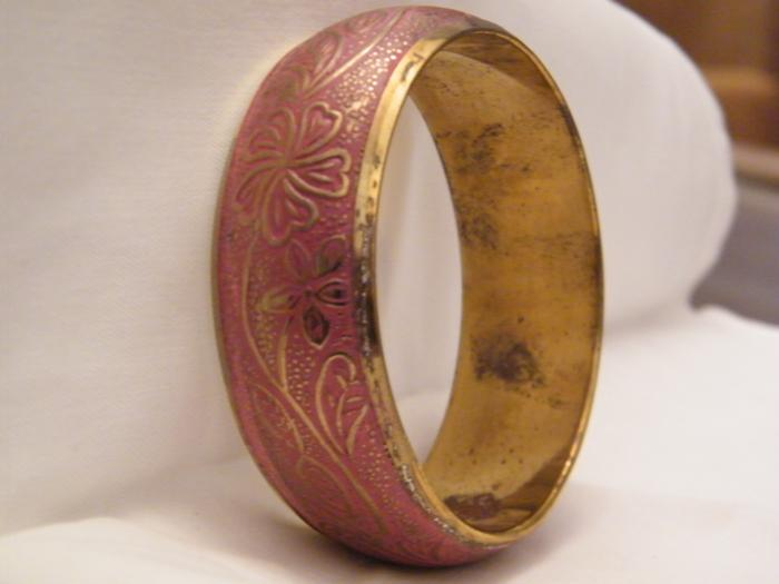 Brass Bangle with Flower Inlay Work - Wholesale Suppliers | Custom Design Manufacturing | MOQ - 100 pcs