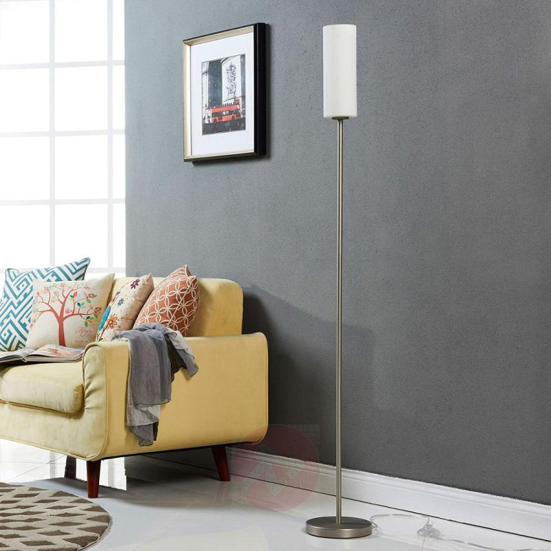 Discreet floor lamp Vinsta with slim glass shade - indoor-lighting