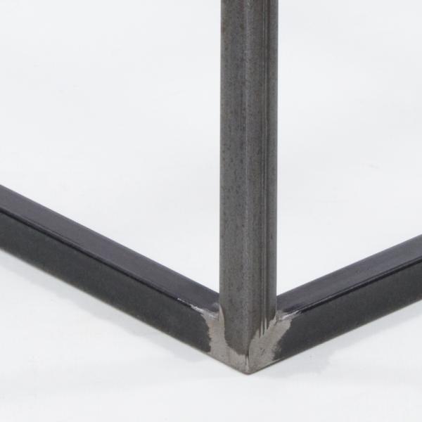 Produkcja i eksport metalowych konstrukcji meblowych - Kute ramy i elementy stołów