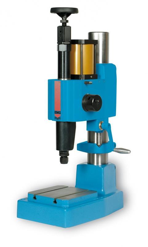 Macchine : Presse ad impatto per la marcatura - PM60 P