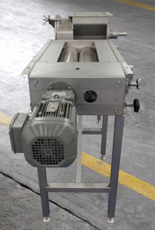 Mills & shredders - B&P mills are used in the food industry for processing fruits and vegetables.