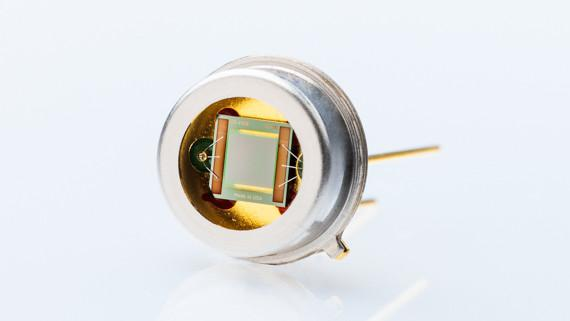 IR source with cap and TO39 housing - Radiation source with high membrane temperature and fast modulation frequency