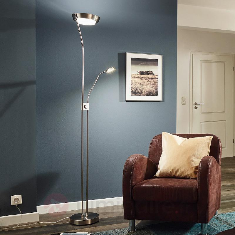 Lampadaire LED Sarrione en acier - Lampadaires LED à éclairage indirect