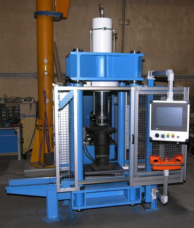 Buffer test machine - Railway technology