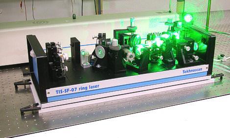 TIS-SF-777 - Durchstimmbarer Einfrequenz-Laser auf Ti:Sa-Basis mit Frequenzstabilisierung