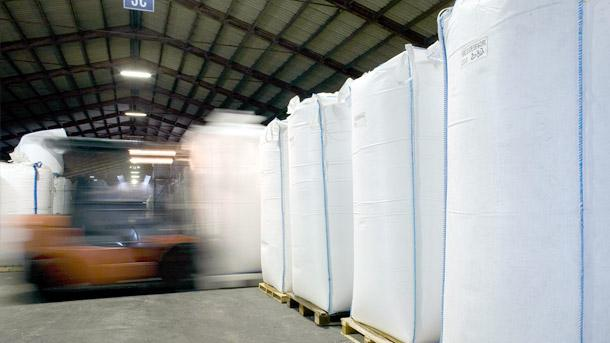 Warehousing & Logistics - null