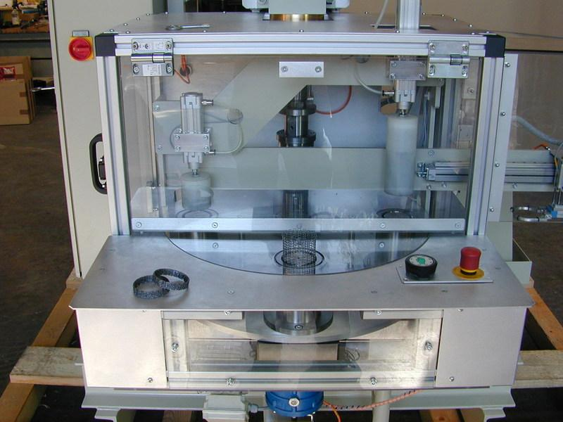 Assembly press with rotary table (inside) - Assembly technology