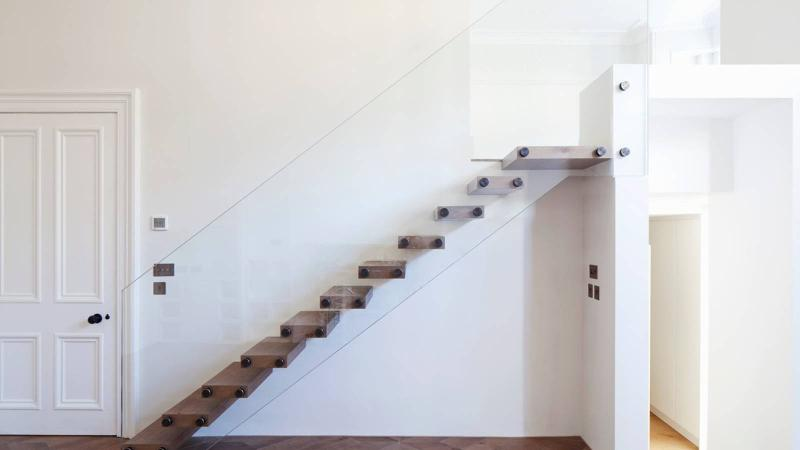 Modern stairs - Mistral
