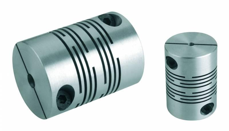 Beam couplings with radial clamping hub