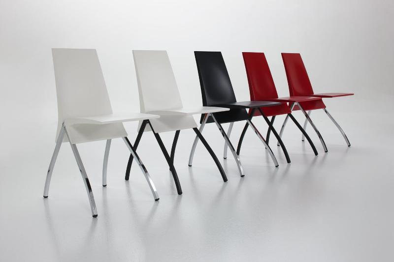 esposizione sedie da interni - Arredamento in metallo