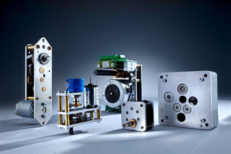 Maßgeschneiderte Antriebstechnik - Stirnradgetriebe und Stellantriebe - Der passende Antrieb für Ihre Anwendung