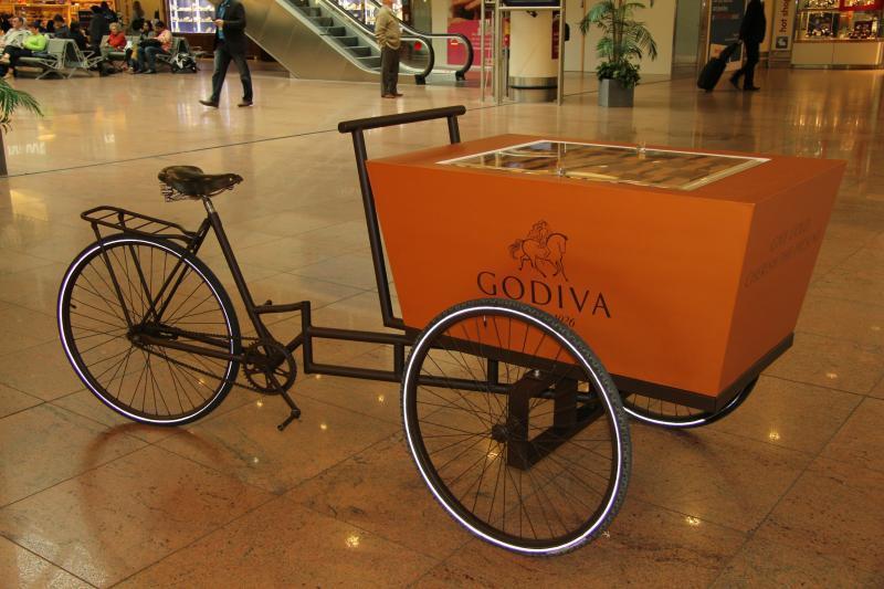 Chocolatier Godiva - Equipement magasins - Vente de matières plastiques et façonnage de produits sur‐mesure