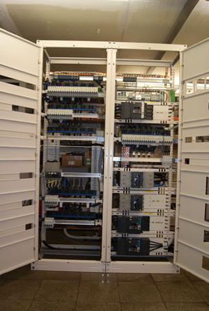 Coffrets et armoires électriques - Armoires pour chauffage et climatisation