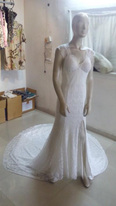 Robe de mariée - Robe de mariée en dentelle avec traîne