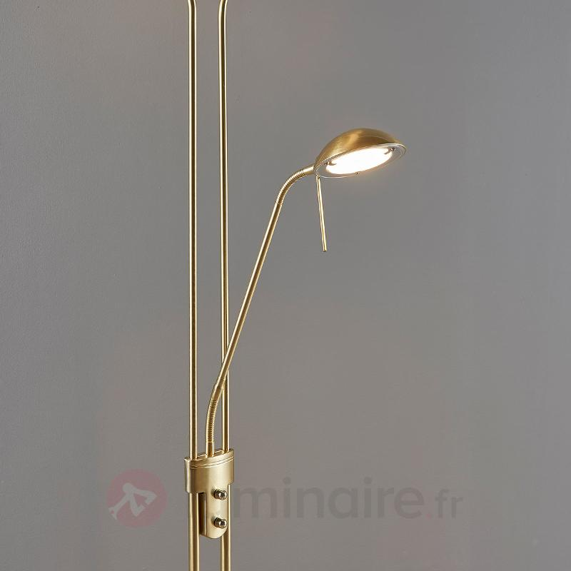 Lampadaire LED variable Yveta, liseuse - Lampadaires LED à éclairage indirect