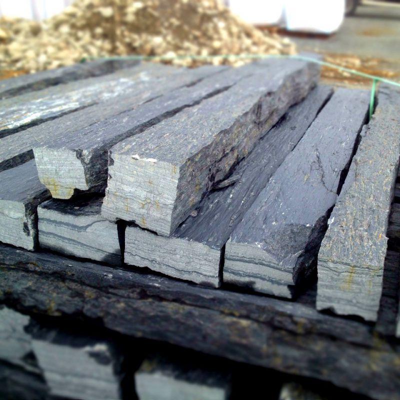 Monolithes - Piquet de shiste noir lg 1 m sciés