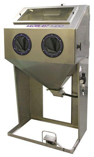 Cabine de sablage à manche pour l'industrie médicale