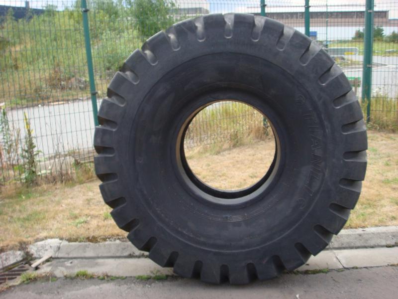 Truck tyres - REF. 2100X25.TIA.DNRO