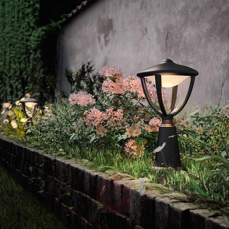 Attractive Robin LED pillar light - outdoor-led-lights