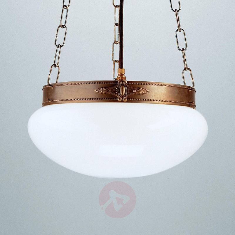 Verne classical-effect hanging light - design-hotel-lighting