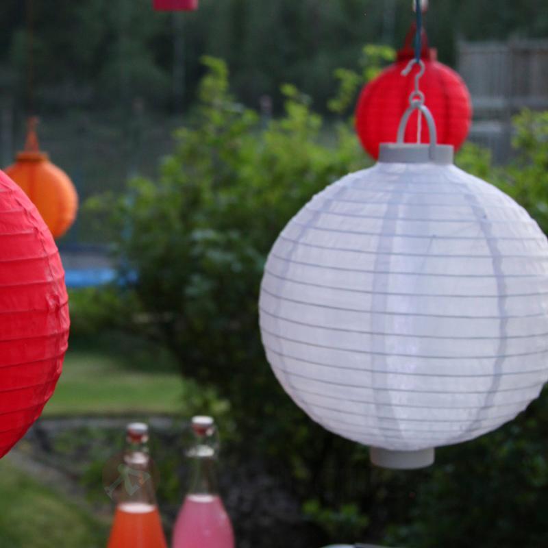 Lampion solaire LED Jumor en blanc, Ø 30 cm - Toutes les lampes solaires