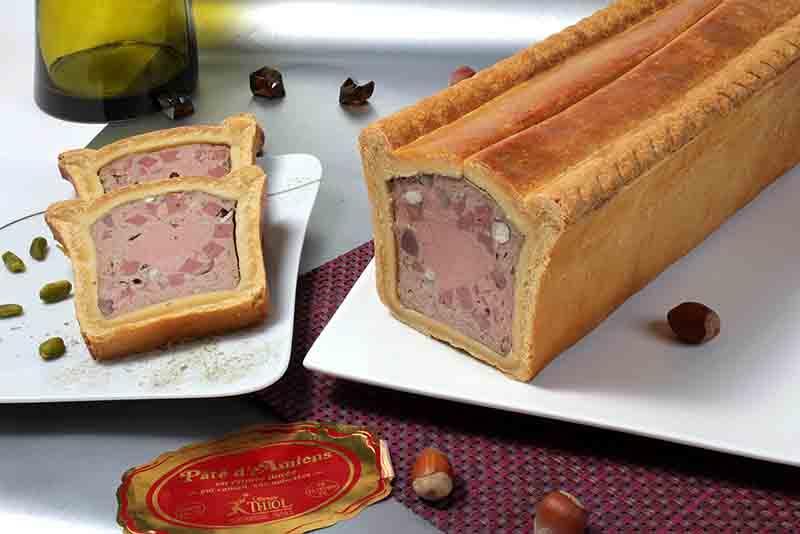 Pâté d'Amiens en croûte dorée - pur canard, aux noisettes