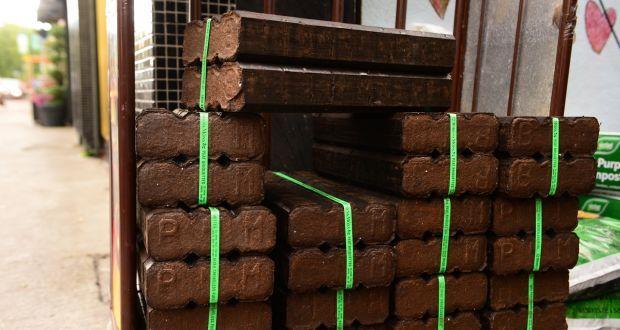 Peat Briquettes - Peat Briquettes