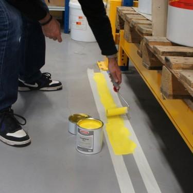 Marquage au sol entreprises for Peinture pour sol garage