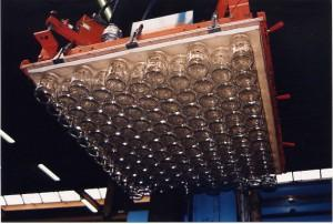 Vacuum plates for jar palletizing / depalletizing