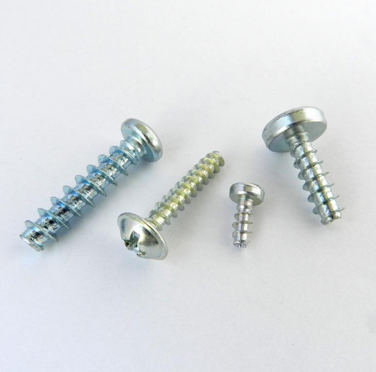 Screws for plastic - null
