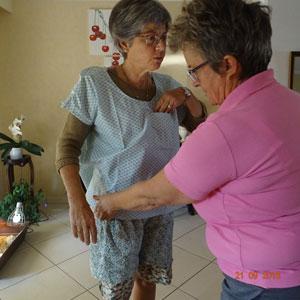 Vêtements adaptés pour les patients