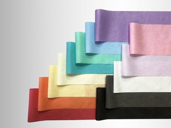 PP熔喷布 - 熔喷不织布是采用茂金属聚丙烯(PP)材料高温、高速喷出之细丝制成