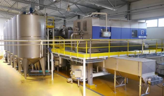 Hydraulic piston-cylinder pressing units| Presses for juices - is a horizontal press dedicated to fruit and vegetable juice industry