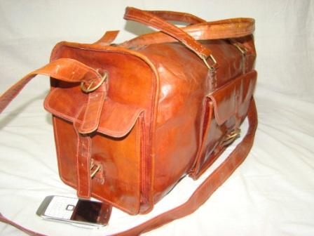 Leather Travel Bag - Leather Travel bag with Pockets