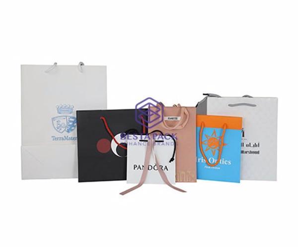 Sacchetto di carta - Sacchetto di carta di lusso fatto di carta d'arte e manico in cotone
