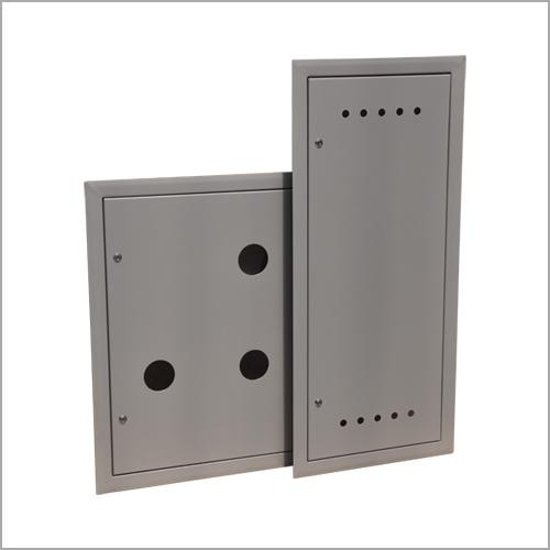 Access doors and casings
