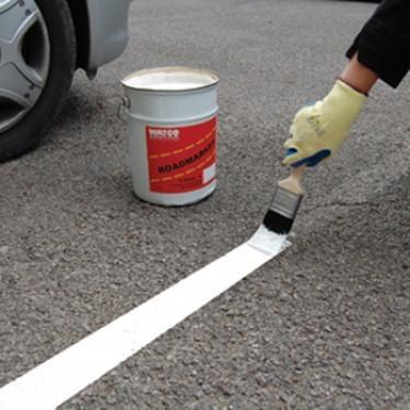 Peinture de sol parking - Marquage Routier
