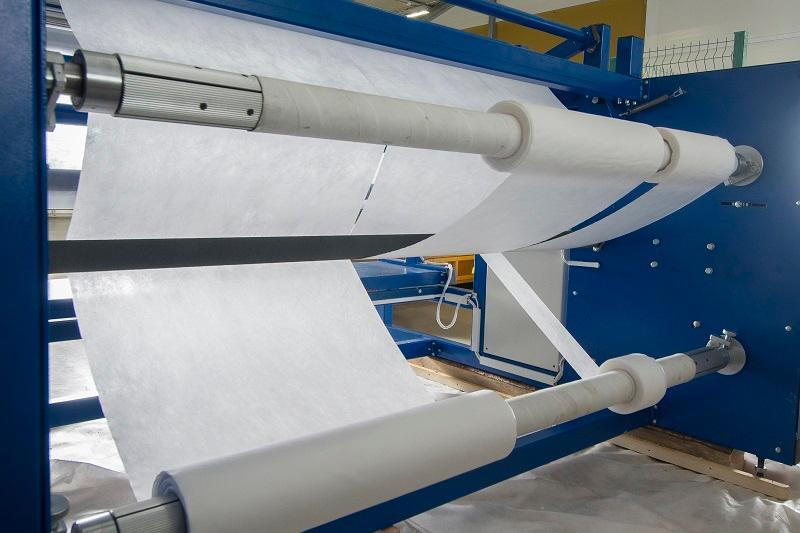 Машина Роллтекс мод. B03.1 для продольной резки рулонов - Машина перематывает рулоны весом до 150 кг и диаметром до 60 см