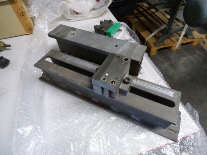 Heidelberg ST 450 2-whole punching device -