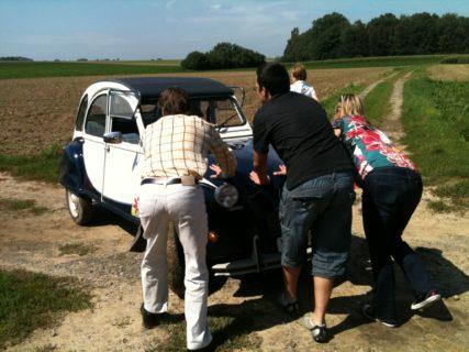 A tour in the Lys Region by historical 2CV car - Services