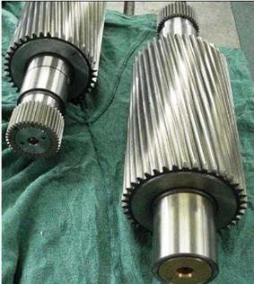 Pinion shafts with shrunk-toothed sockets - special products