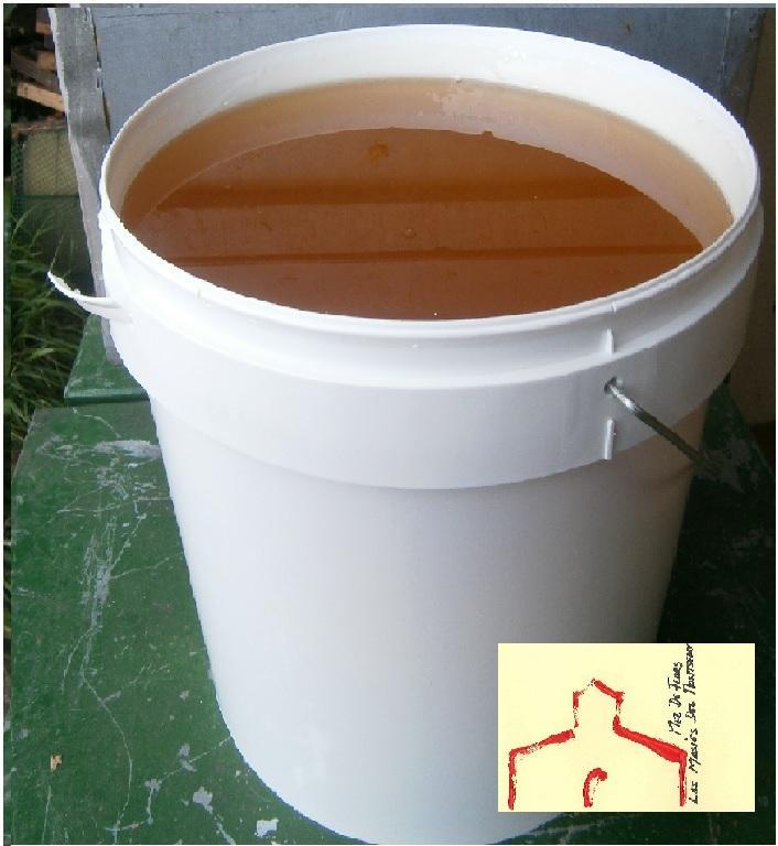miel a granel - Servida en cubos de 25 kg